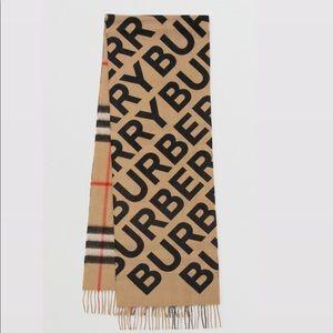 NWT Burberry scarf